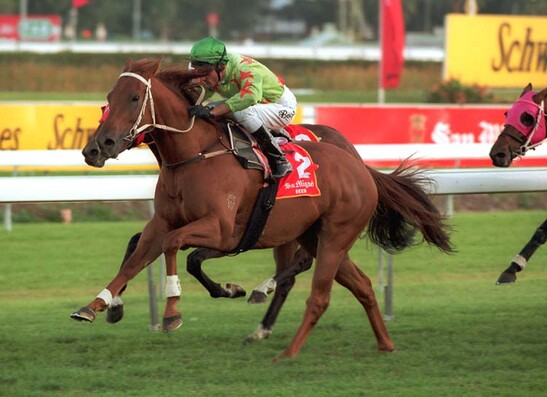 Shogun Lodge winning the 2001 AJC Queen Elizabeth S. G1 PHOTO: Bronwen Healy