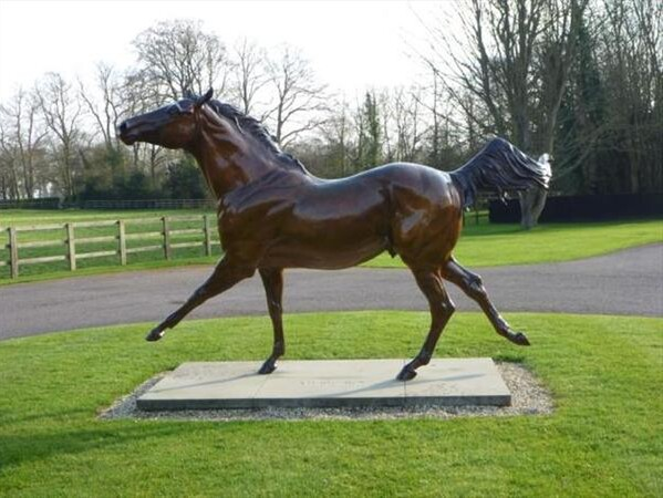 Photo - Statue of Music Boy at Cheveley Park Stud