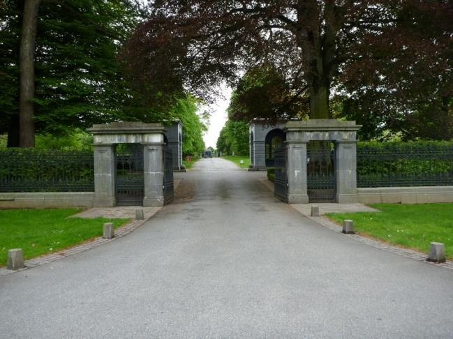 The gates to Coolmore